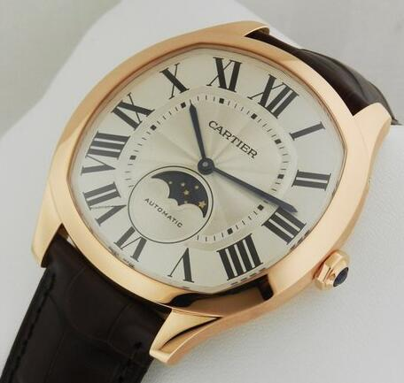 Roman numerals duplication Drive De Cartier watches are typical with blue hands.