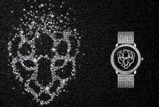 New reproduction watches sales are decorated with diamonds.