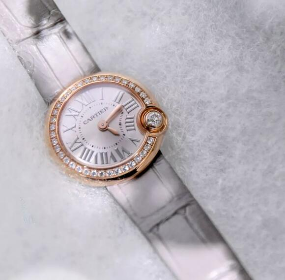 Forever reproduction watches for sale are fixed with diamonds.