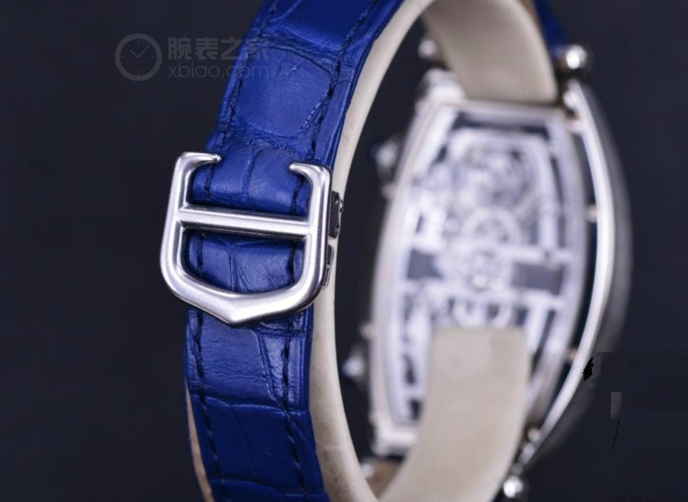The limited copy watches have blue straps.
