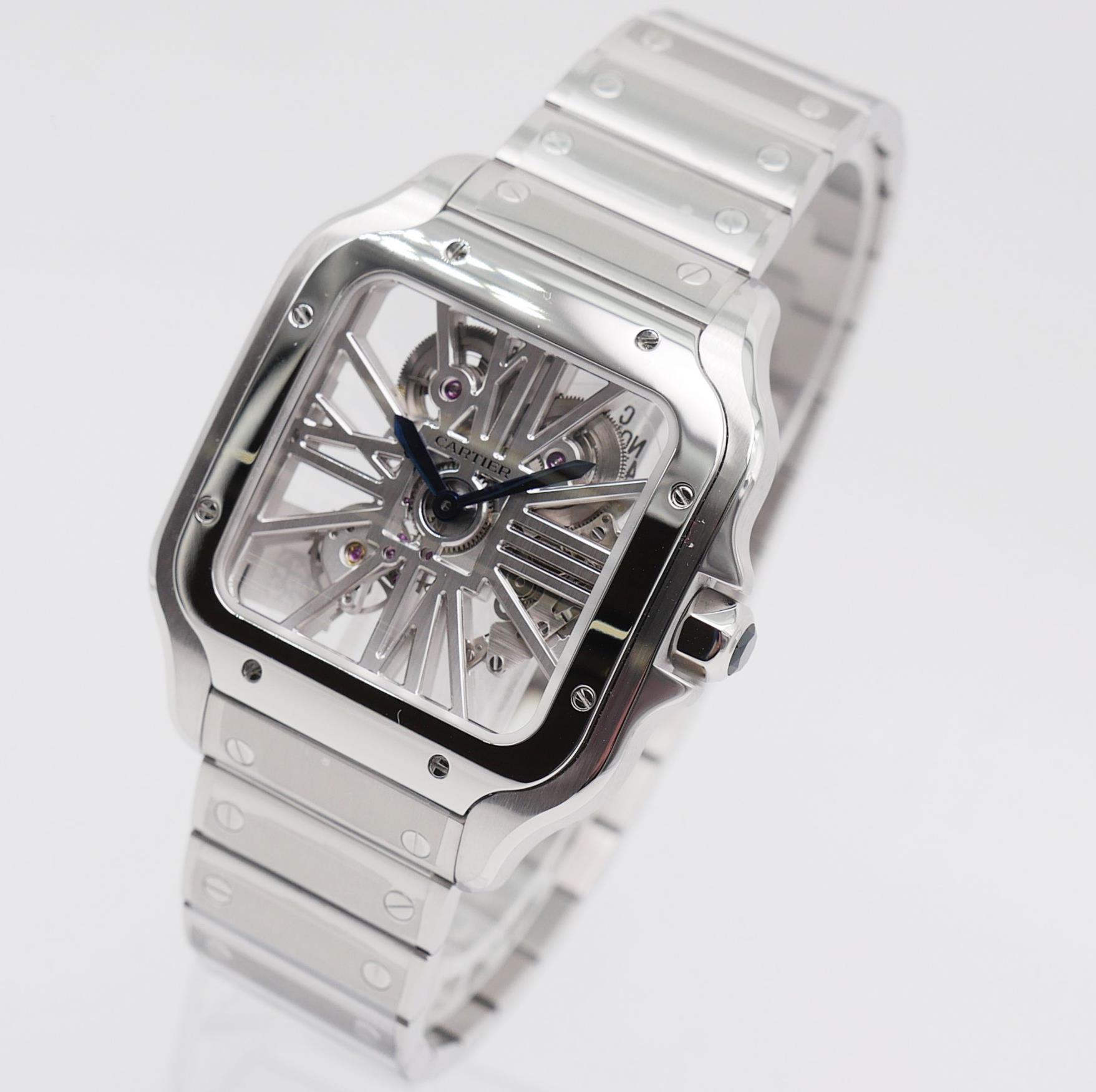 The stainless steel fake watch can guarantee water resistance to 100 meters.